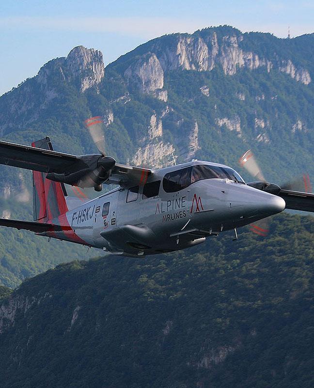alpine airlines Compagnie aérienne air taxi Courchevel Chambéry Paris Lyon Saint Tropez Alpes liaison Zurich Milan Rome Corse Sardaigne Barcelone