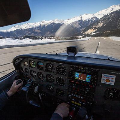 Découverte pilotage cessna Courchevel Alpine AIrlines