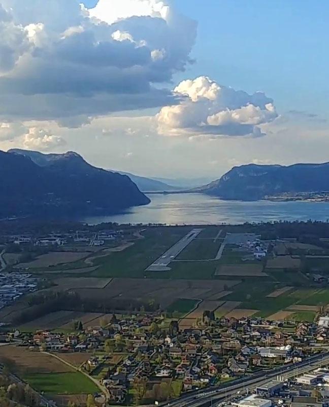 alpine airlines Compagnie aérienne Transport aérien urgent vols privés air taxi Courchevel Chambéry Paris Lyon Saint Tropez Genève Alpes transfert vol