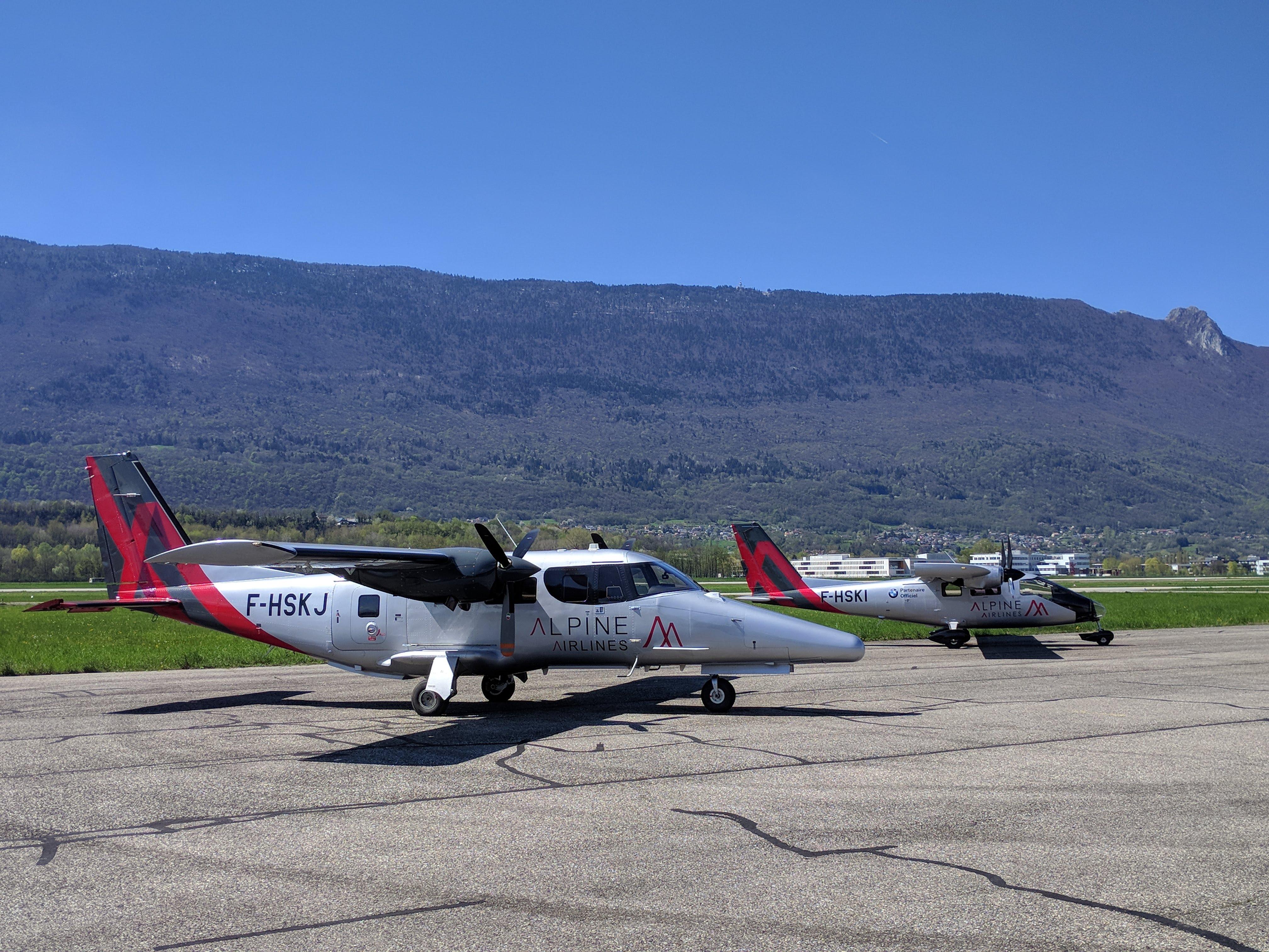 Alpine airlines Urgent transport cargo passenger parcels